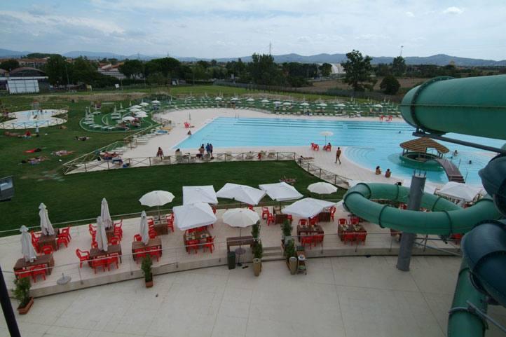 Fuga dal weekend torrido in piscina for Piscina hidron