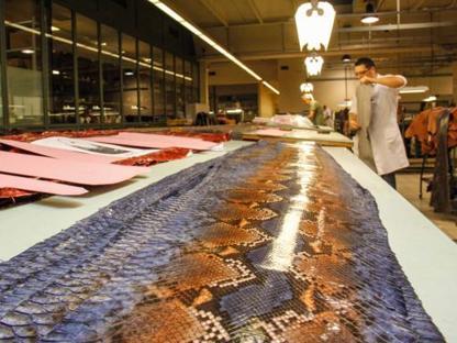 I laboratori della sede Gucci a Casellina