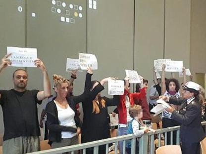 La protesta dei genitori in Consiglio comunale lunedì a Firenze