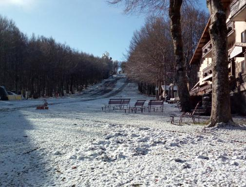 I primi fiocchi di neve della stagione hanno imbiancato il Monte Amiata (foto Jori Diego Cherubini)