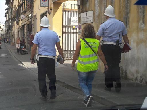 Firenze, raddoppiano i vigilini E sulle strisce blu arrivano
